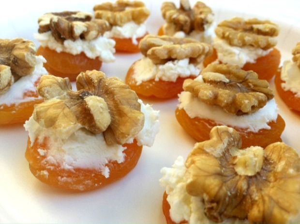Apricot Walnut Bites