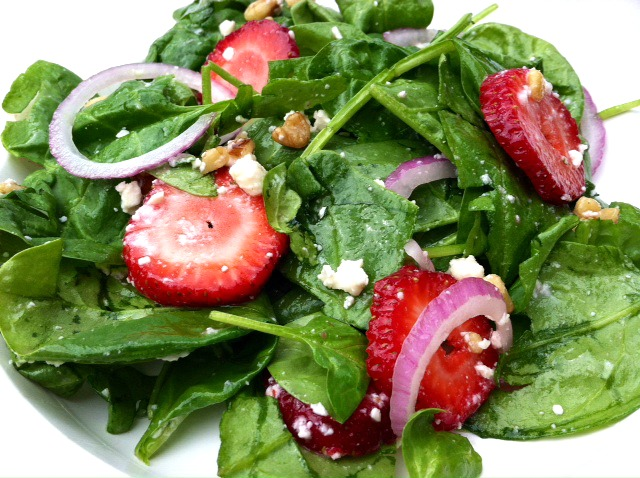 Spinach Strawberry Salad | Potluck Time