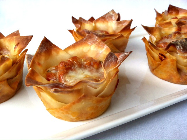 Lasagna Cupcakes are ingenious! Wonton wrappers replace the lasagna ...